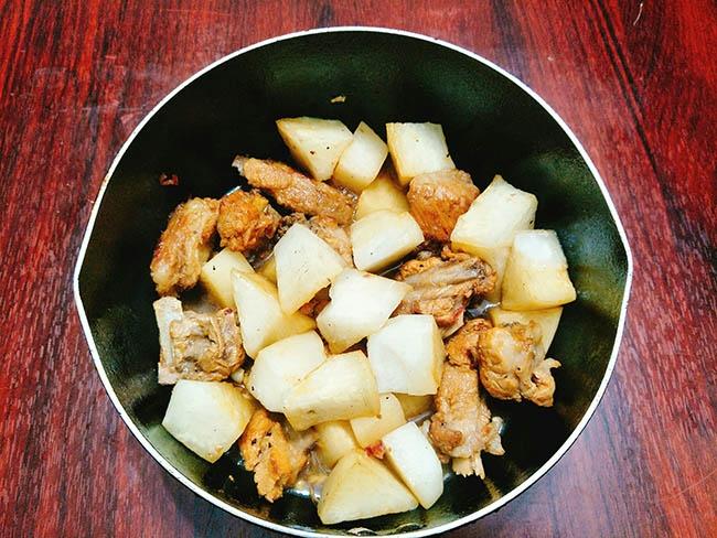 Cách làm sườn kho củ cải – Món ăn số 1 trong ngày mưa lành lạnh8