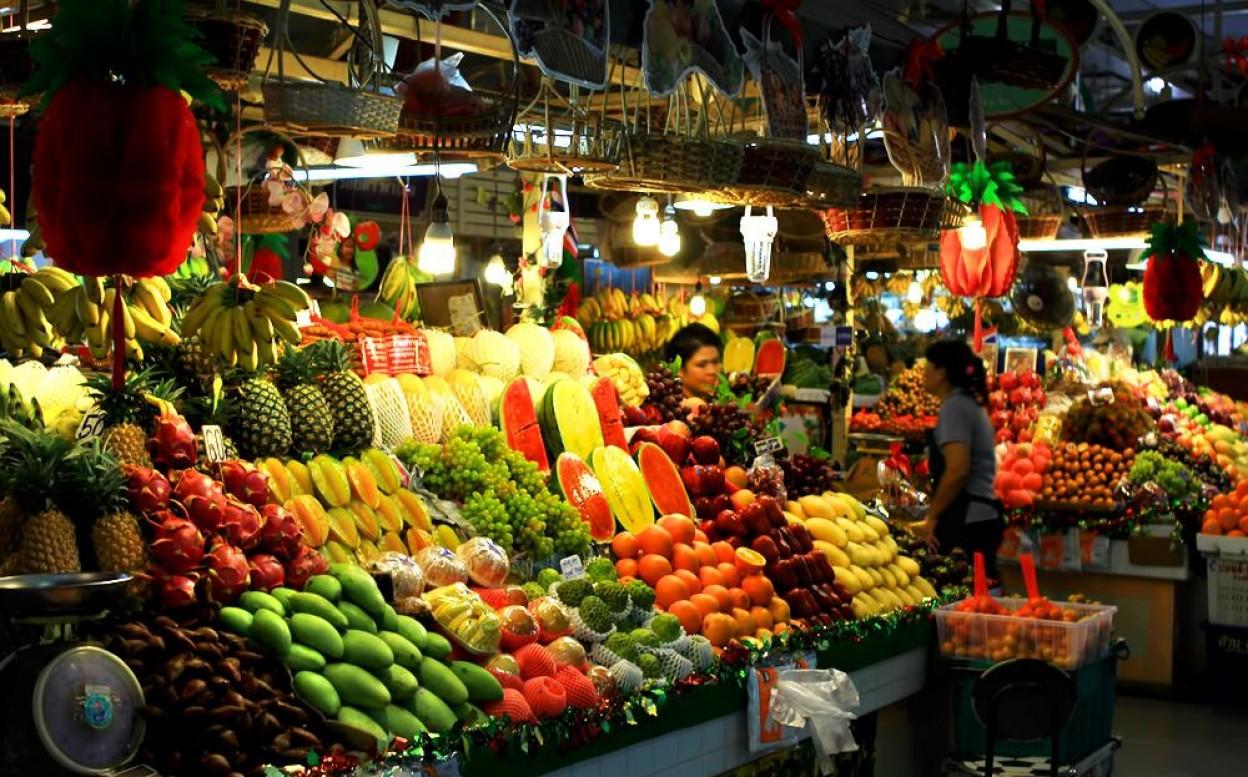 Những cửa hàng bán trái cây miệt vườn